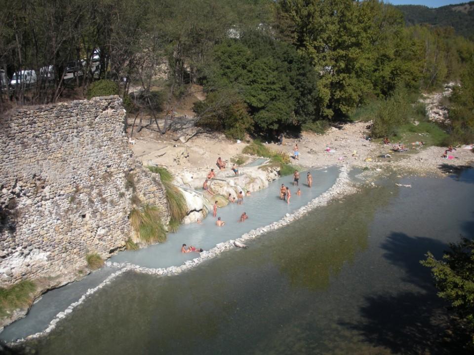 Petriolo hot springs agriturismo podere vignali - Bagni di petriolo ...